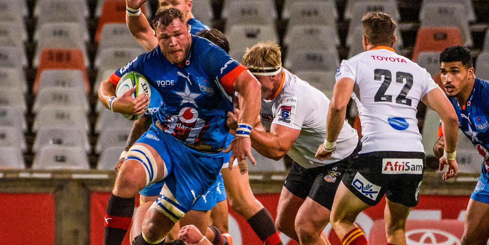 Vodacom Bulls captain Duane Vermeulen takes the ball up.